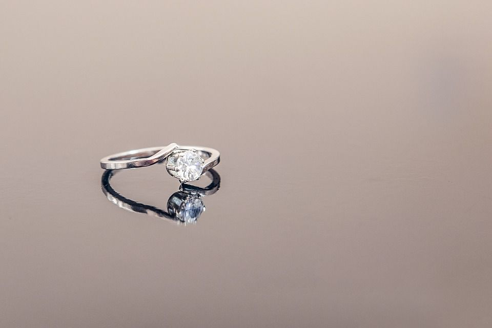 Solitarios con diamantes